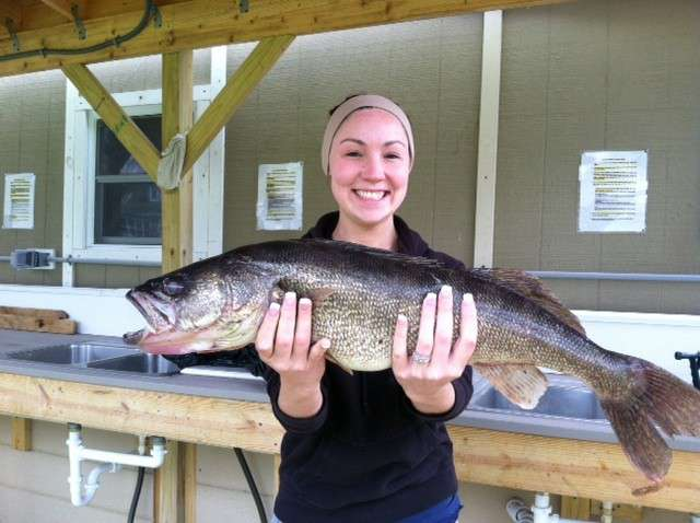 Alba-Daughter-in-law-with-big-walleye.jpg